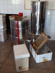 Material extracción de miel, www.beegardenmalaga.com