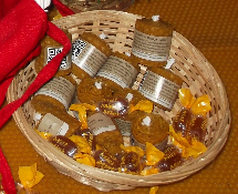 Velas y caramelos www.beegardenmalaga.com